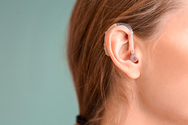 Causas clínicas da deficiência auditiva