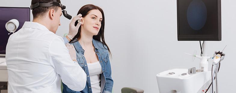 É possível identificar os sinais de perda auditiva?
