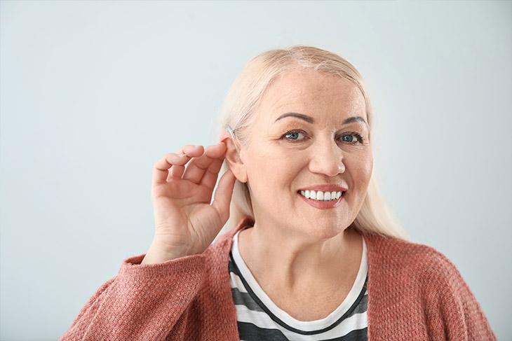 Por que é importante estar atento a essa questão nos aparelhos auditivos?